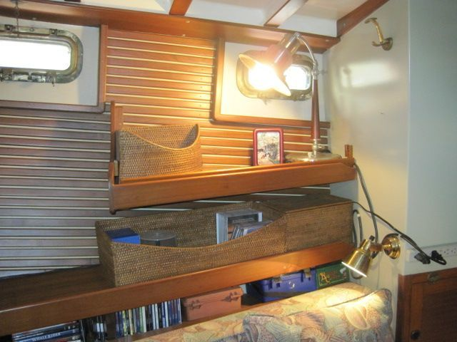 1987 Kadey-Krogen 42 Pilothouse Trawler Stabilized & Centerline Queen - Guest stateroom storage
