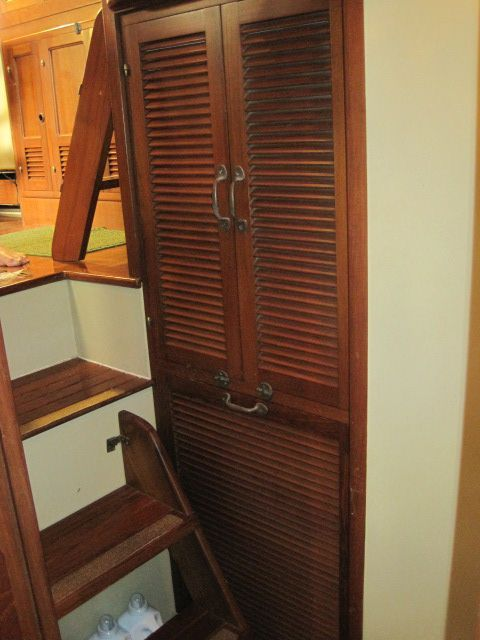 1987 Kadey-Krogen 42 Pilothouse Trawler Stabilized & Centerline Queen - Companionway laundry locker