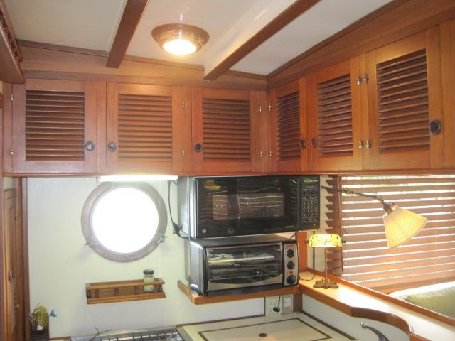 1987 Kadey-Krogen 42 Pilothouse Trawler Stabilized & Centerline Queen - Galley upper cabinets