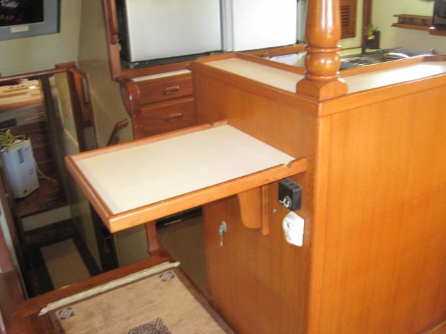 1987 Kadey-Krogen 42 Pilothouse Trawler Stabilized & Centerline Queen - Fold up extra work counter