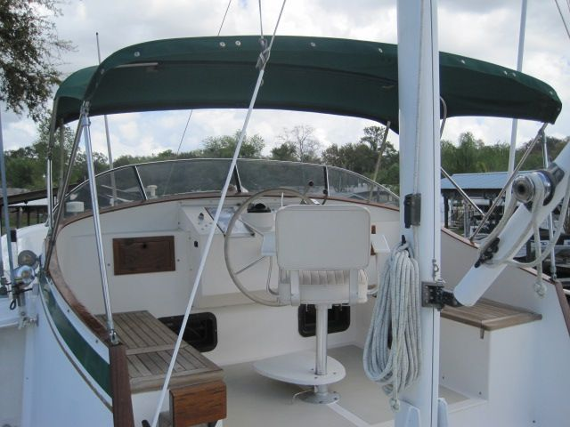 1987 Kadey-Krogen 42 Pilothouse Trawler Stabilized & Centerline Queen - Flybridge