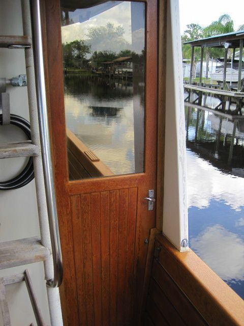 1987 Kadey-Krogen 42 Pilothouse Trawler Stabilized & Centerline Queen - Stbd wing door