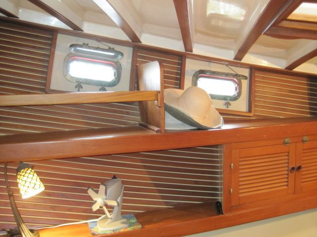 1987 Kadey-Krogen 42 Pilothouse Trawler Stabilized & Centerline Queen - Master stateroon stbd side