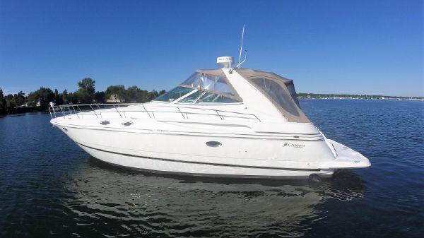 Cruisers Yachts 3870 Esprit Profile