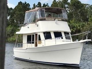 Mainship 34 Trawler Genesis