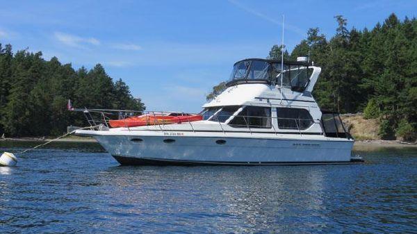 Cooper Yachts 40 Flybridge Sedan