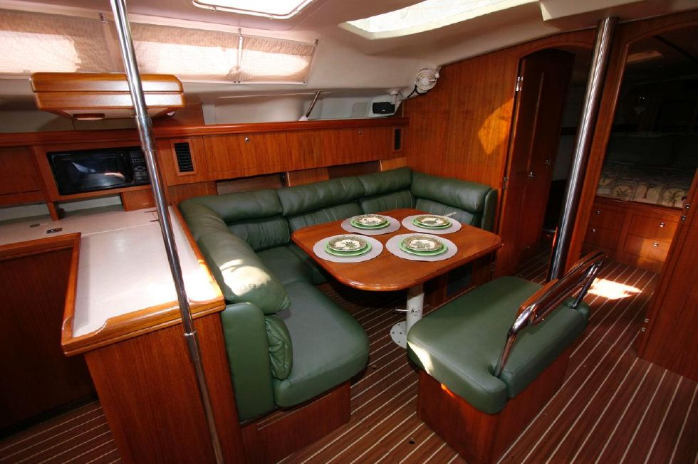 2004 Hunter 466 bow thruster - Dinette to Galley