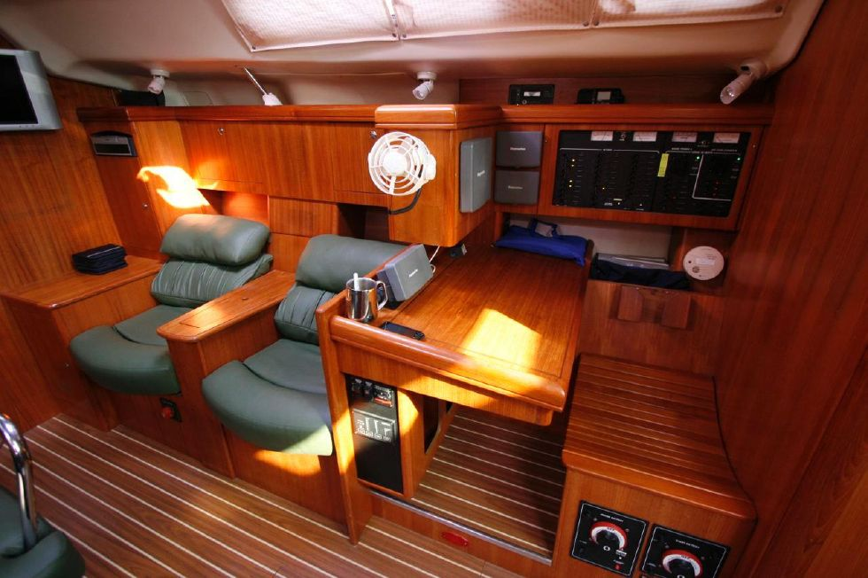 2004 Hunter 466 bow thruster - Settee and Nav Station