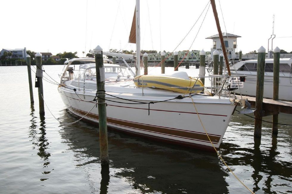 2004 Hunter 466 bow thruster - Hunter 466 now in Florida