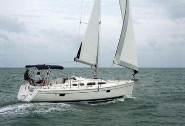 2005 Hunter 36