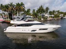 2017 Ferretti Yachts 700