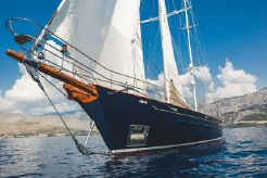 1998 Custom Heli Yacht 35 M