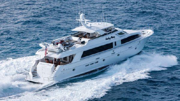 Hatteras 100 Motor Yacht Running Starboard Side Aft
