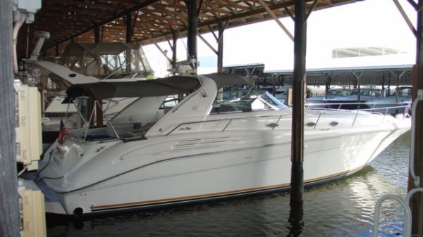 Sea Ray Sundancer Photo 1