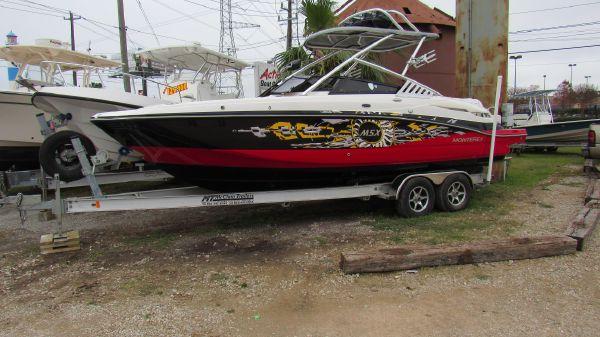 Monterey M5 Sport Boat