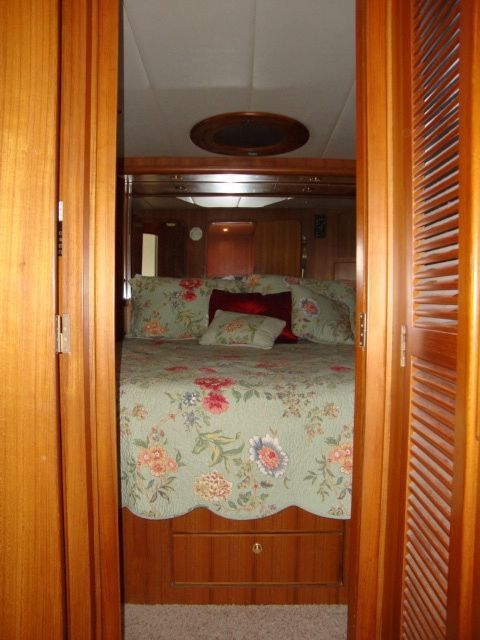 1999 Symbol 557 Pilothouse Yacht
