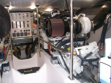 2008 Sabre 52 Salon Express - Starboard Engine
