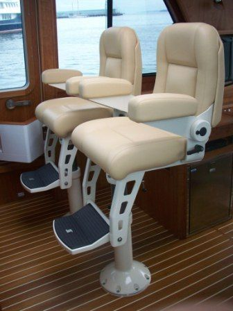 2008 Sabre 52 Salon Express - STIDD Helm Seats