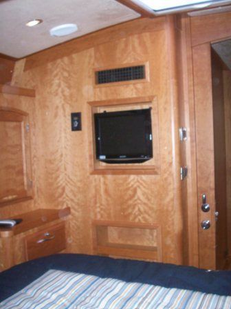 2008 Sabre 52 Salon Express - Guest Stateroom TV