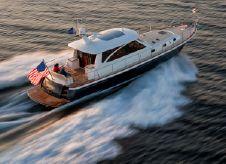 2009 Hunt Yachts 52 Express Cruiser