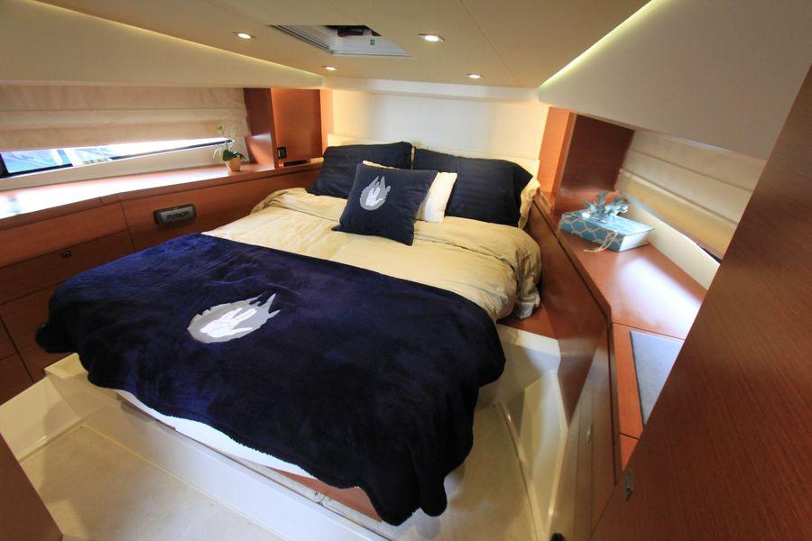 Prestige 450S Yacht for sale in Newport