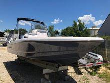 2020 Robalo Bay Boats 206 Cayman