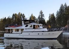 2002 Eagle 53 Pilothouse