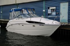 2005 Bayliner 265