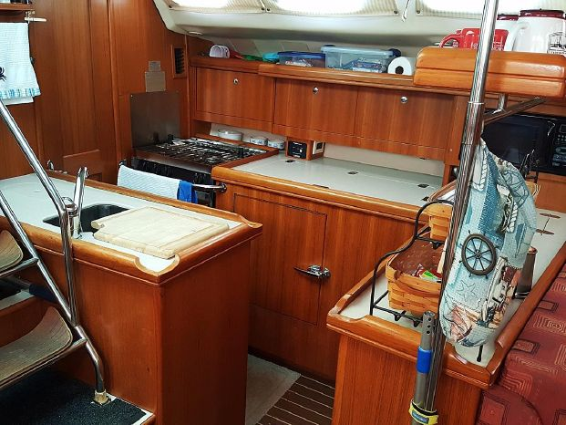 2004 Hunter Broker BoatsalesListing