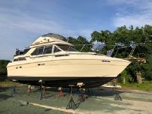 1985 Chris-Craft 337 Commander