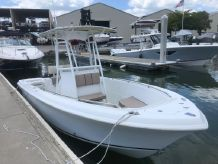 2005 Sailfish 22 Center Console