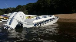 2017 Offshore Yachts 28 Saber Outboard