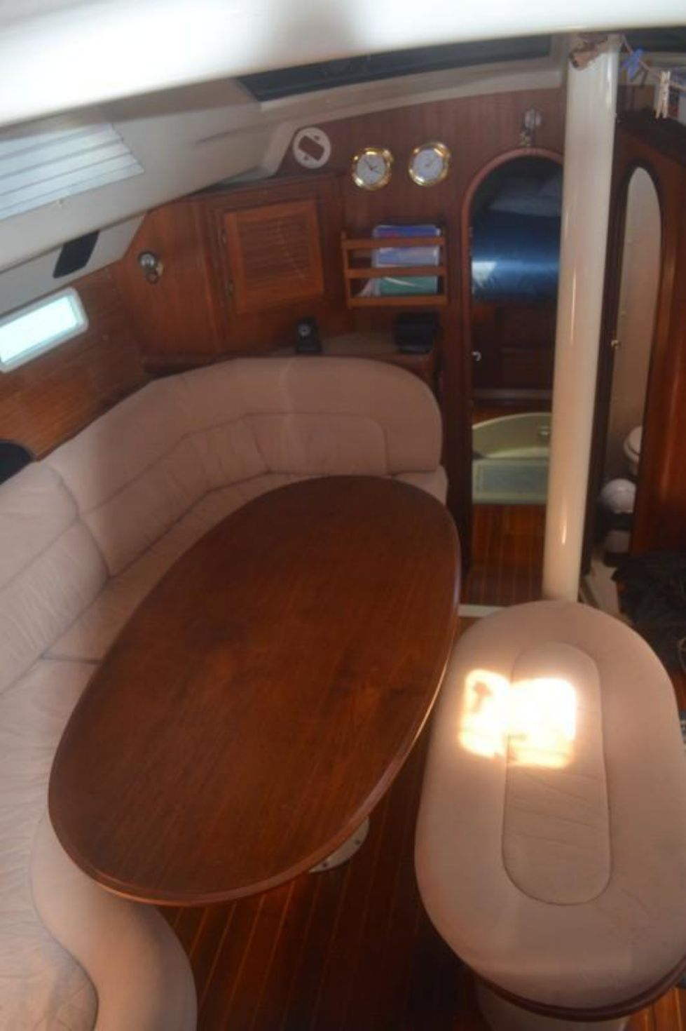 1991 Hunter 42 Passage