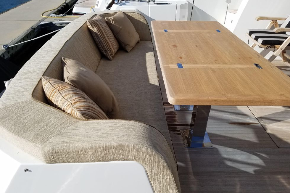 Aft Seating with table