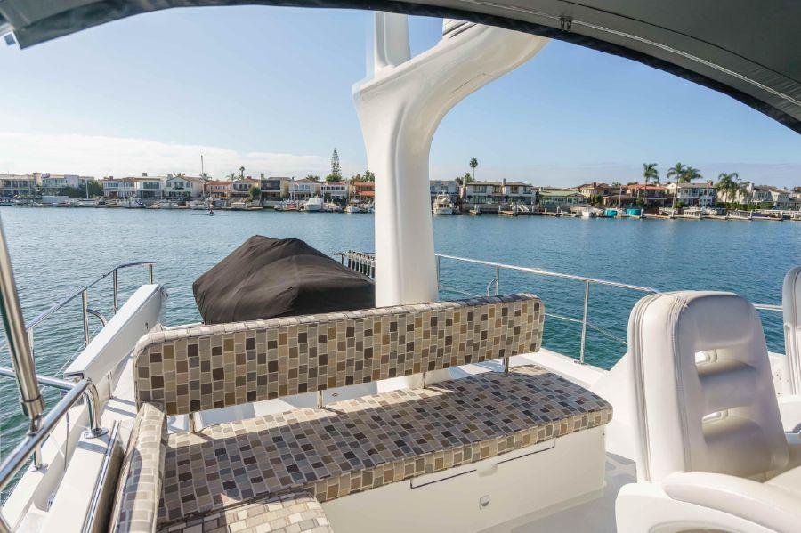 Ocean Alexander 48 Classicco Flybridge Seating
