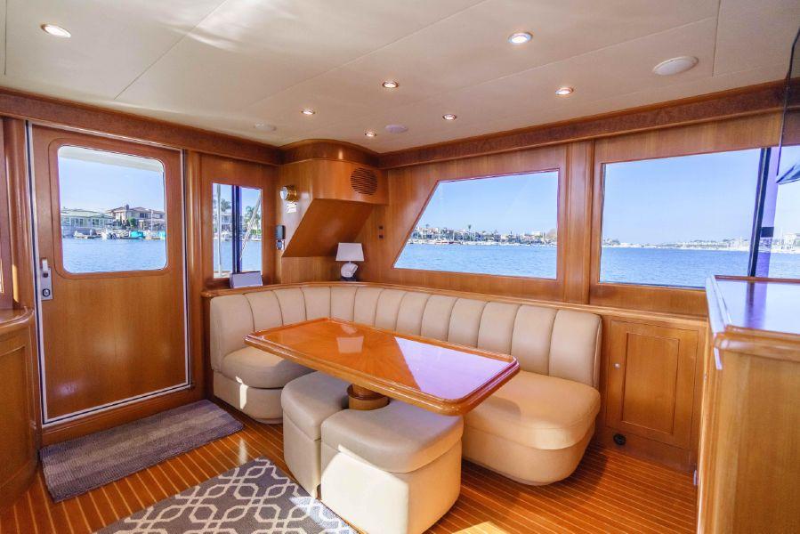 Ocean Alexander 48 Classicco Salon