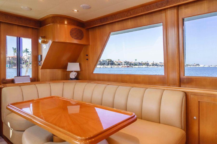 Ocean Alexander 48 Classicco Salon Interior