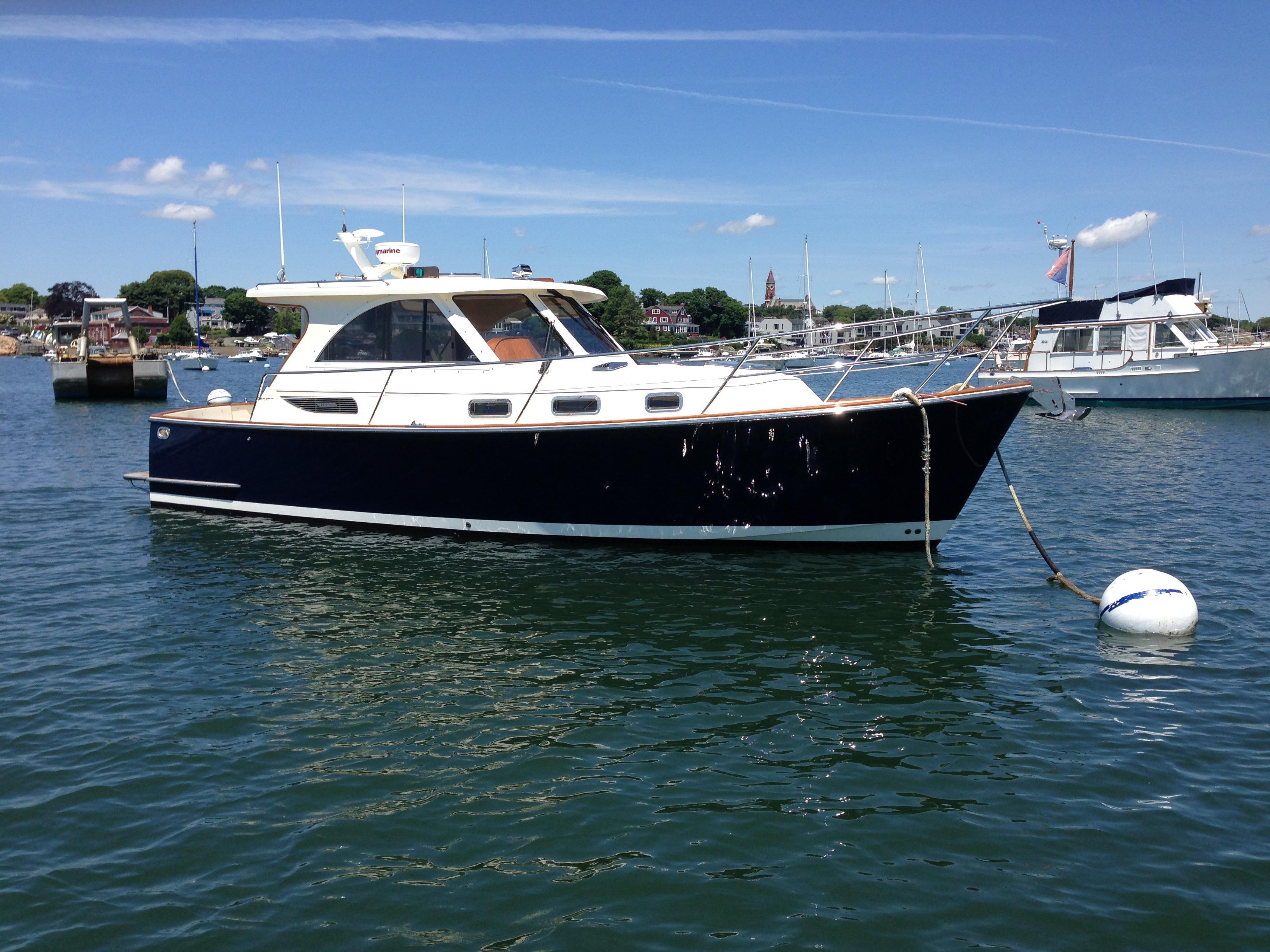 2007Legacy Yachts 32 Sedan
