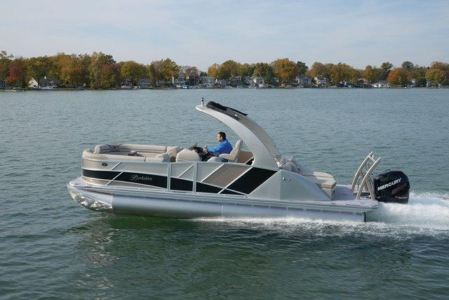 25 ft 2014 berkshire 250 sport u-10250