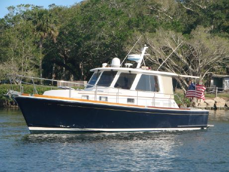 2002 Grand Banks Eastbay Hardtop Express Commissioned 2004