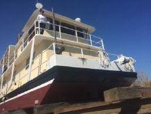 1988 Reilly Danos Houseboat