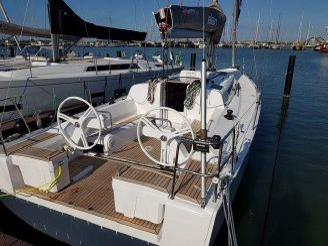 2019 Elan Boats E4