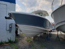 2019 Boston Whaler 330 Outrage