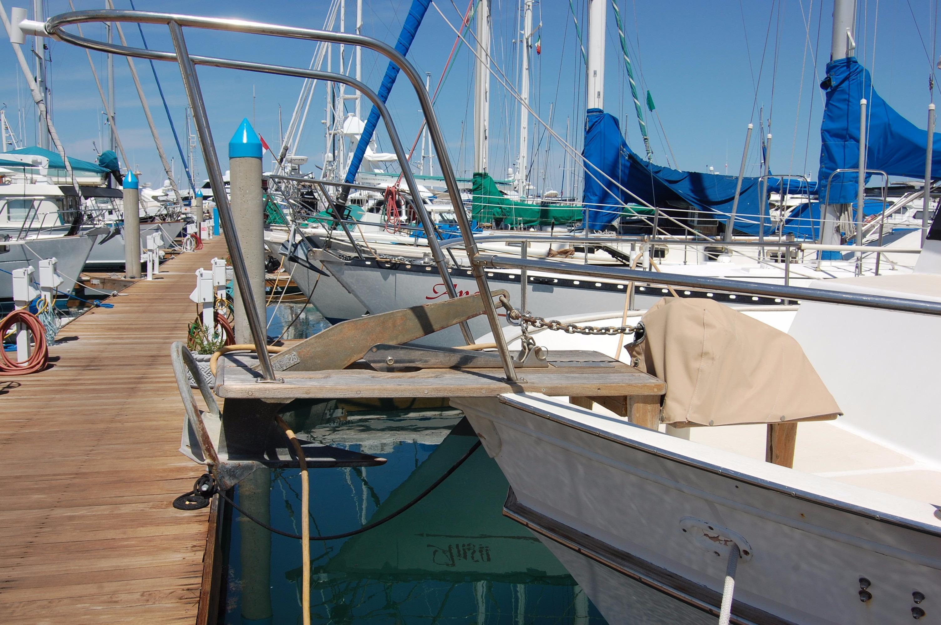 42' Californian LRC Trawler+Photo 6