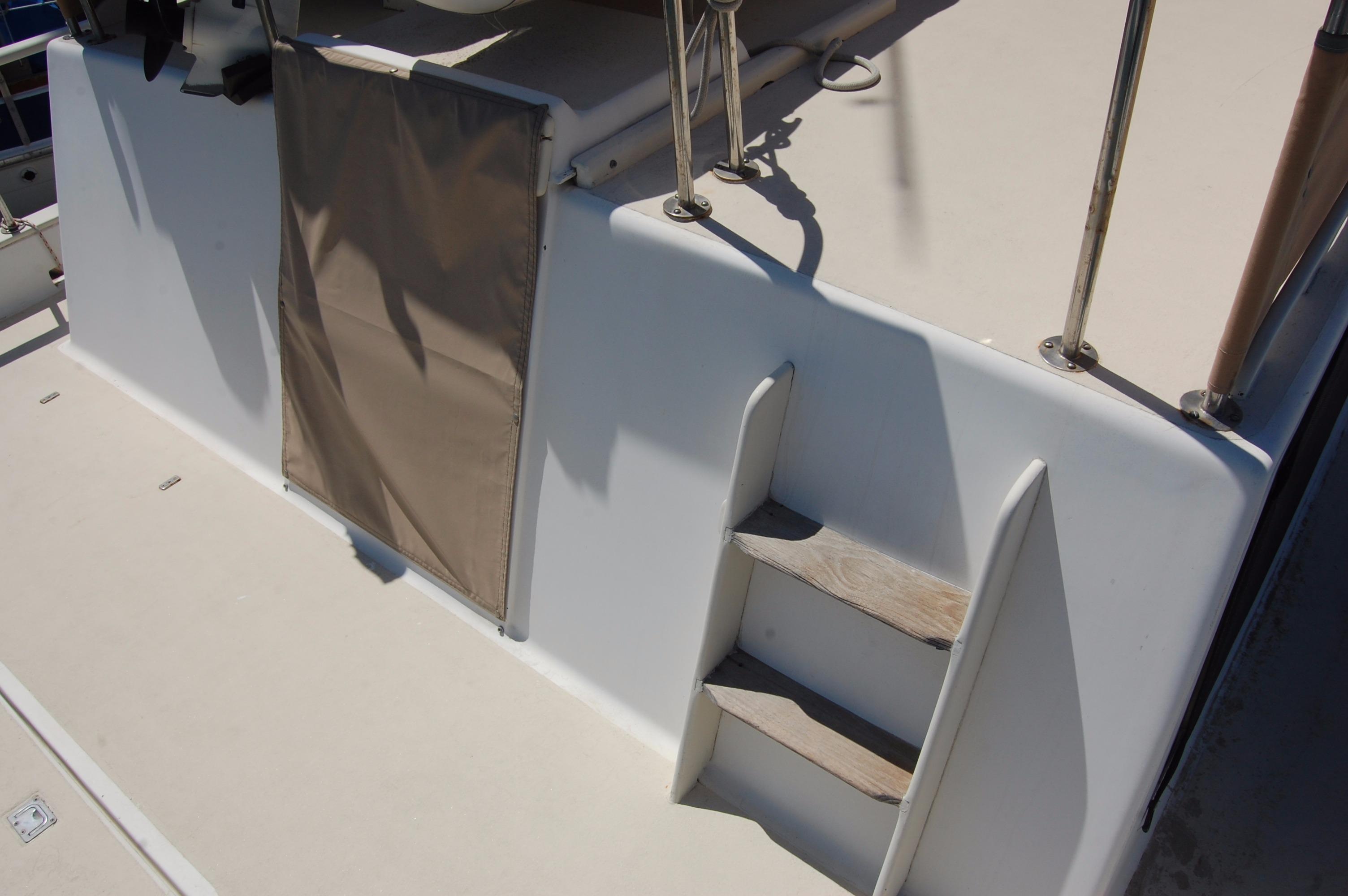 42' Californian LRC Trawler+Photo 12
