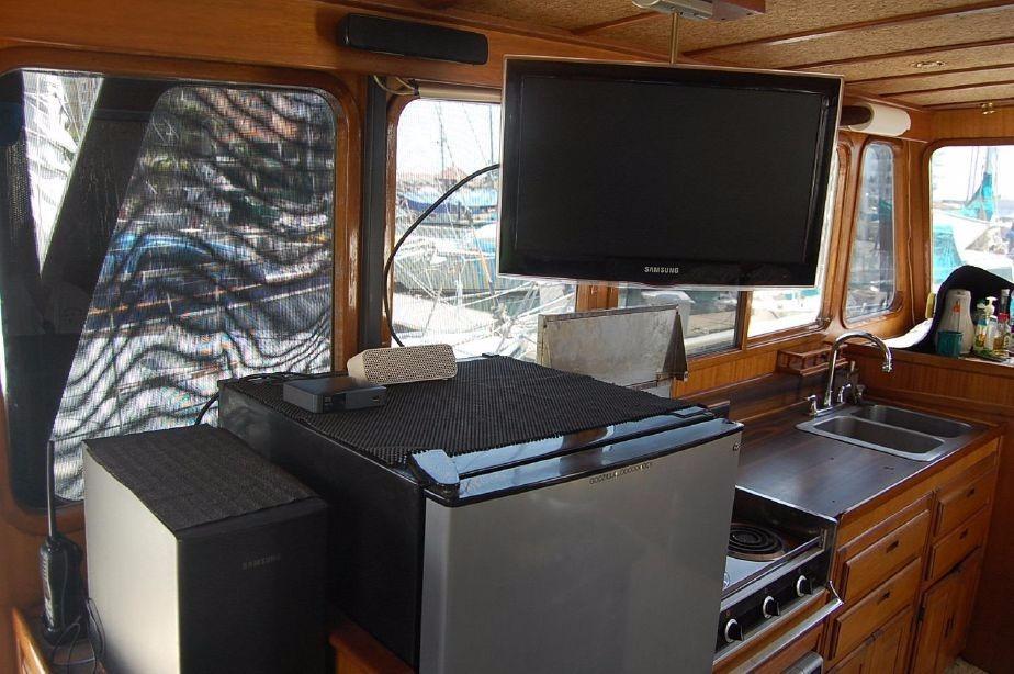 42' Californian LRC Trawler+Photo 29