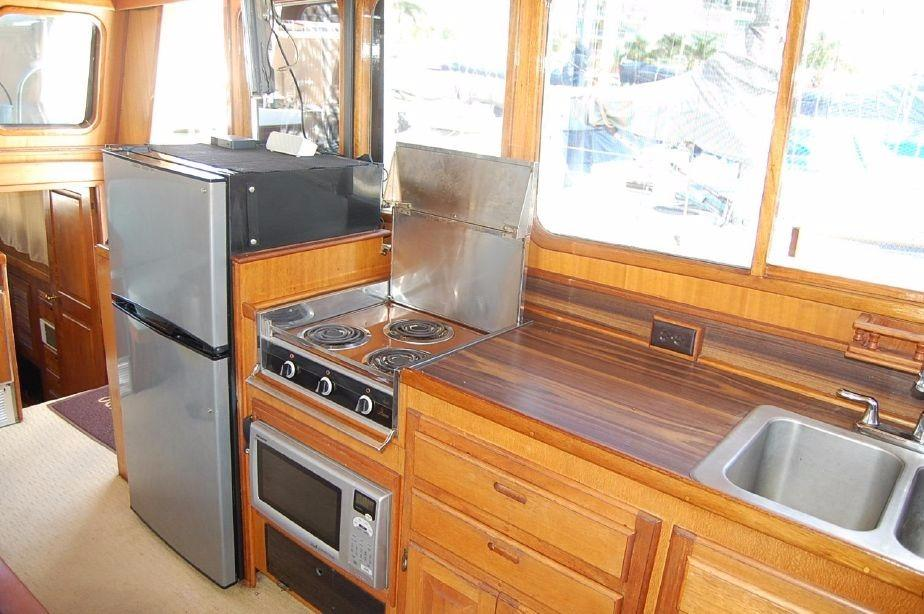 42' Californian LRC Trawler+Photo 30