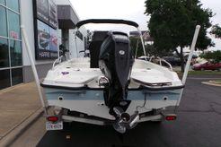 2014 Boston Whaler 210 Dauntless