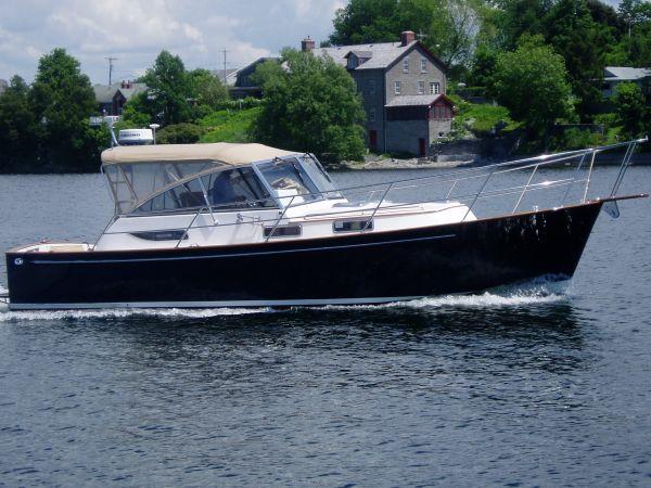 Legacy Yachts 34 Express, Sackets Harbor, NY