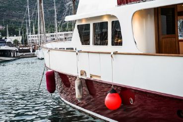 thumbnail photo 1: 2006 Trawler Idhra 55